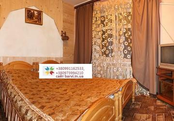 Яблуница,первый этаж с отдельным входом, 3 комнаты 6-8человек