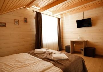 12 Яблуниця Новий будинок на 6 кімнат з шикарним виглядом.