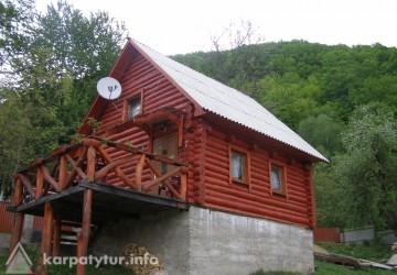 Дерев'яний будиночок