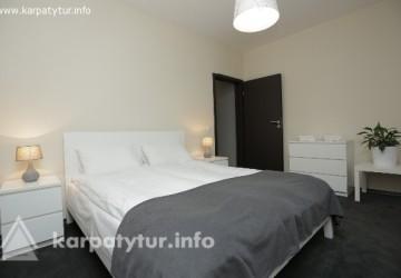 Hotel & Apartments Rakhiv