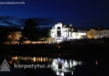 Вечерняя пешеходная экскурсия по Ужгороду